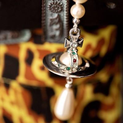 Vivienne Westwood 超火小土星配饰专场 罕见8折 土星耳钉¥535收